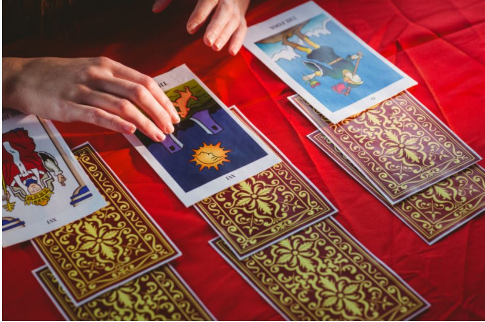 Everything you should know about tarot card readings