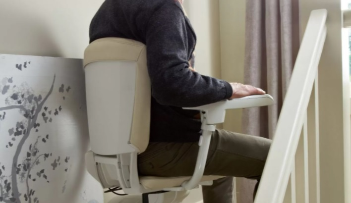 A Stairlift Rental in Bromsgrove Means Working with Any Budget
